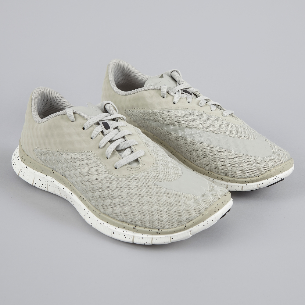 """ee5d17f7e0a1 The Nike Free Hypervenom Low In """"Lunar Grey"""" Keeps Things On The Simple Side"""