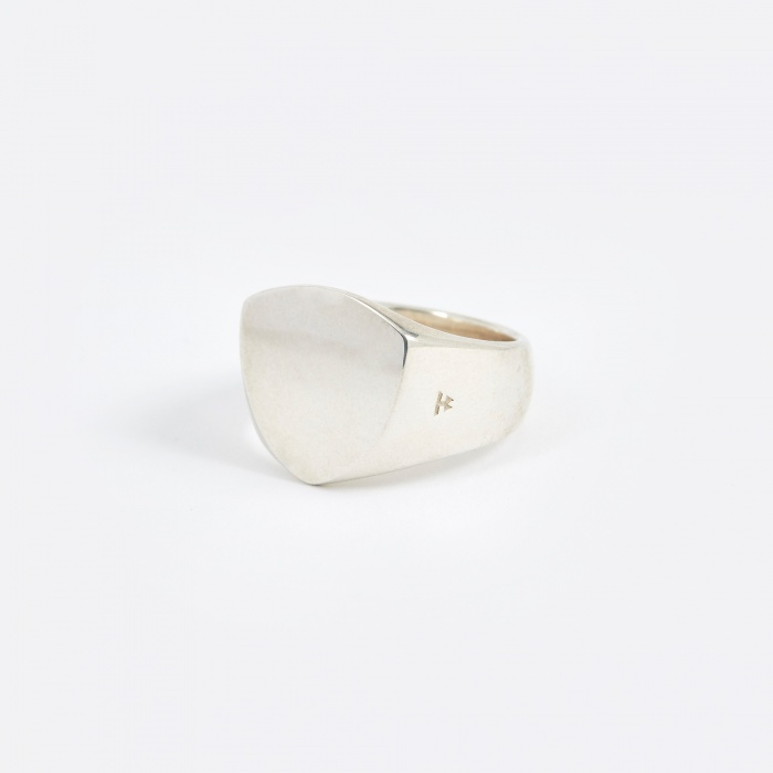 Tom Wood Polished Shield Ring - Silver (Image 1)