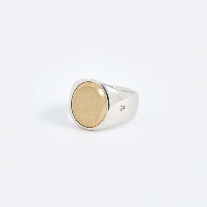 Tom Wood Oval Ring - Gold Top (Image 1)