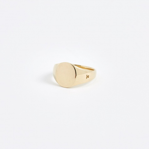 Mini Signet Oval Ring - 9K Gold