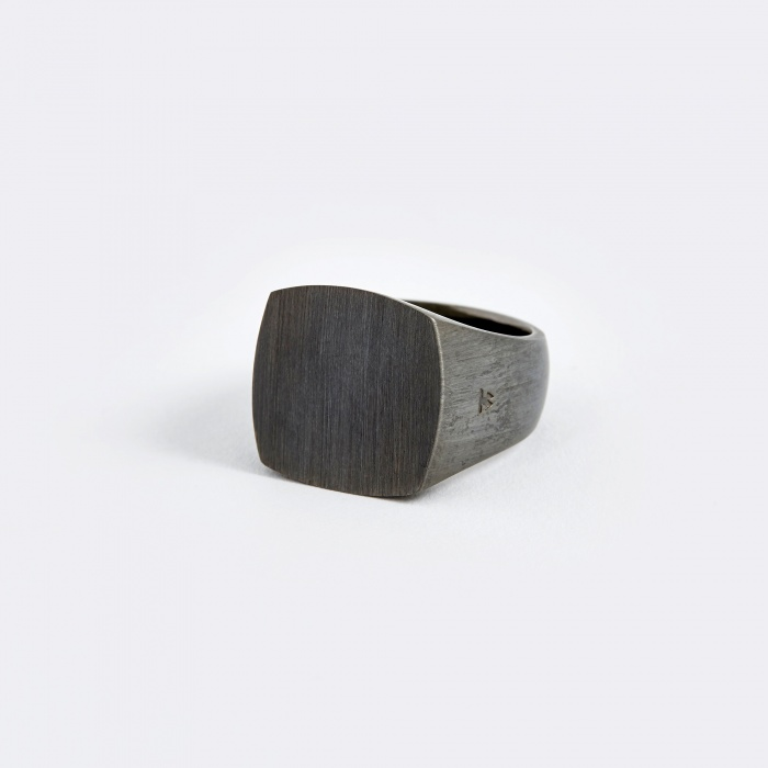 Tom Wood Cushion Ring - Black Edition (Image 1)