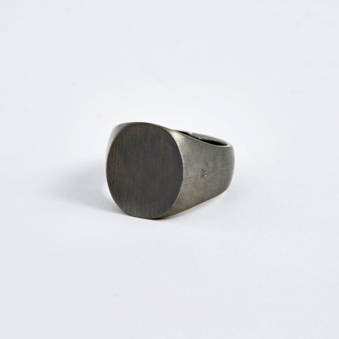 Oval Ring - Black Edition