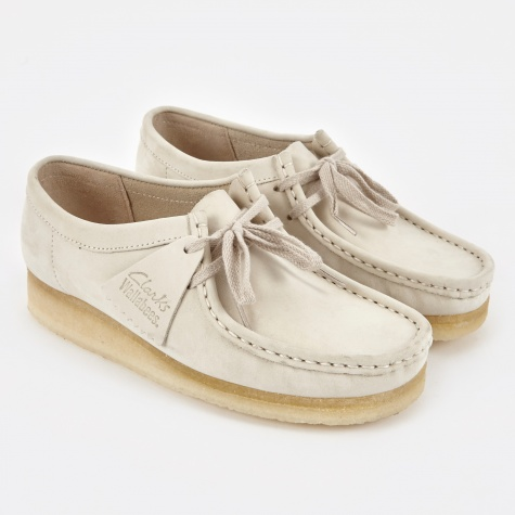 Clarks Wallabee - Off White