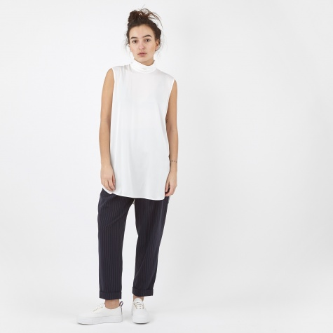 Sleeveless Mock Neck Shirt - White