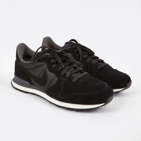 Internationalist Premium - Black/Black/Anthracite