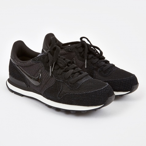 Internationalist - Black/Black Dark Grey