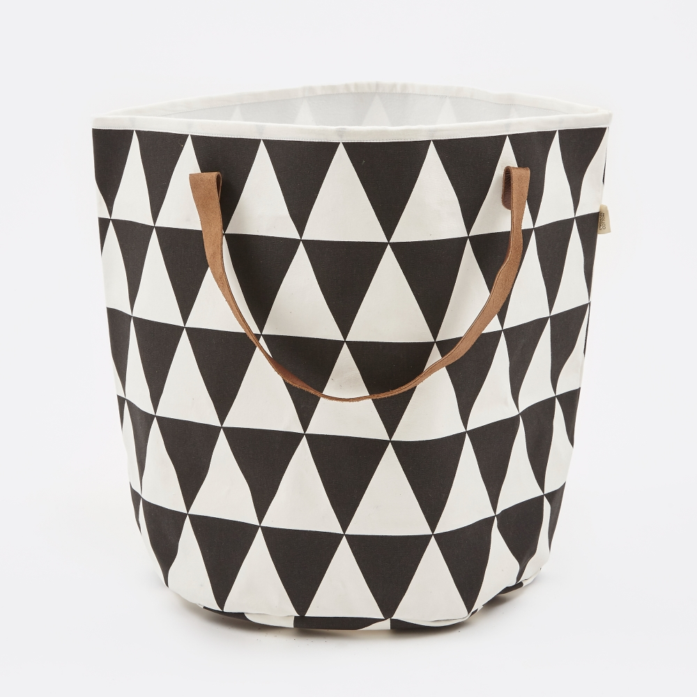 ferm living triangle basket black white. Black Bedroom Furniture Sets. Home Design Ideas