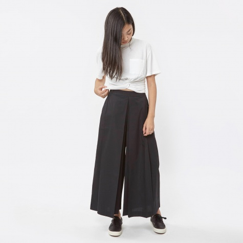 Inverted Pleated Trouser - Black