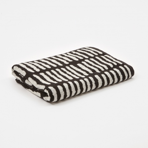 Wrong for Hay He Bath Towel - Black & Creme