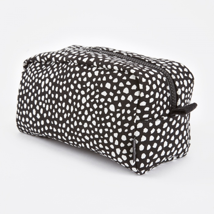 HAY Wrong for Hay Dot Wash Bag Large - Black (Image 1)