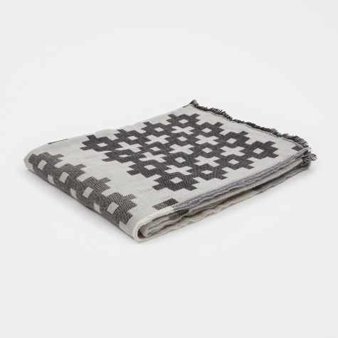 Plus 9 Throw 145x215cm - Grey