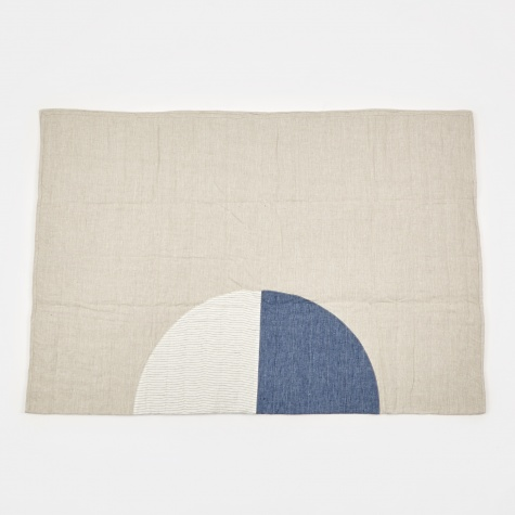 Thin Stripe Moon Quilt - 187x142cm