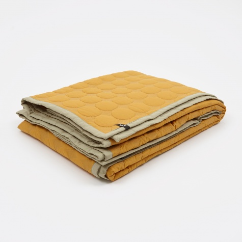 Mega Dot Quilt 245x195cm - Golden Yellow