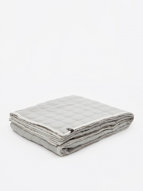 Mega Dot Quilt 245x195cm - Light Grey