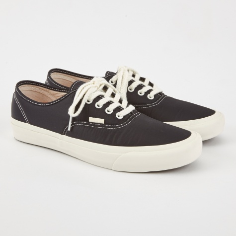 Vault x Our Legacy Authentic Pro LX - Black