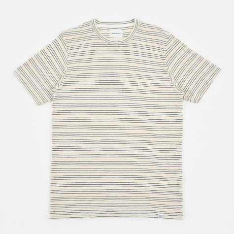 James Fine Stripe T-Shirt - Dried Olive/Ecru