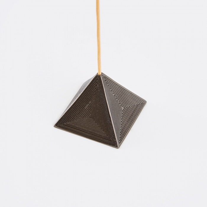 M A A P S Pyramid Incense Holder - Black (Image 1)