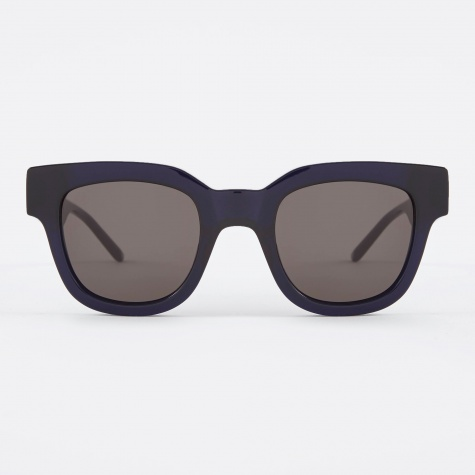 Liv Sunglasses - Very Dark Blue