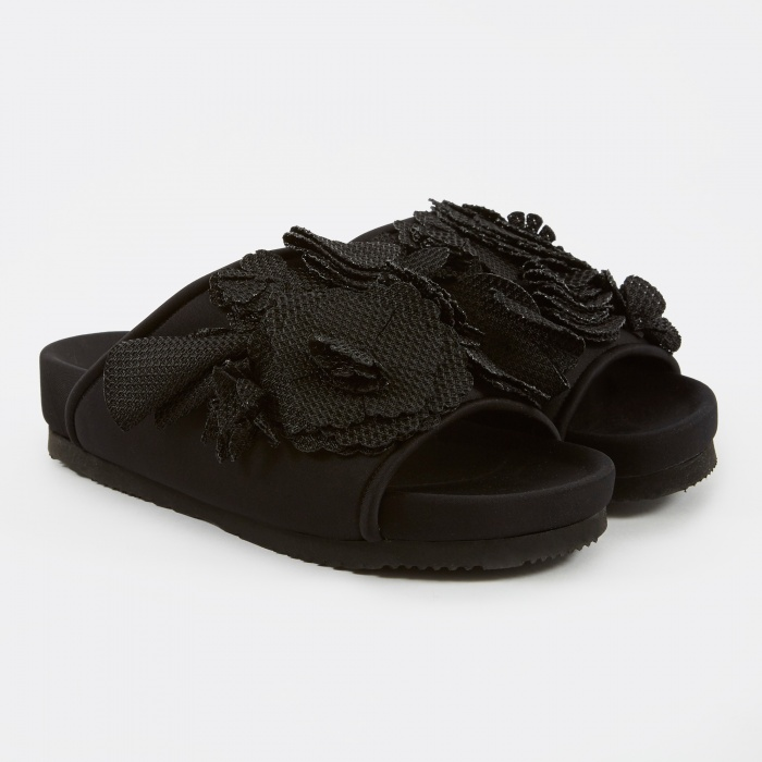Suecomma Bonnie Flower Flat Sandal - Black (Image 1)