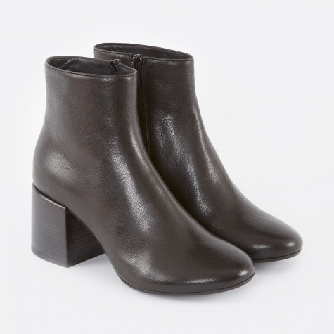 MM6 Leather Ankle Boot - Black