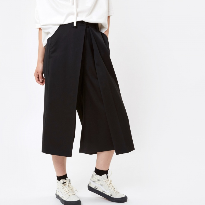 MM6 Maison Margiela MM6 Cropped Trouser - Black (Image 1)
