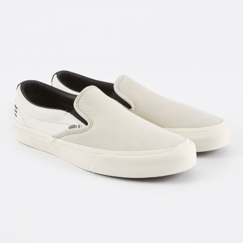 Vault x Taka Hayashi Slip-On 66 LX - Marshmallow/Black