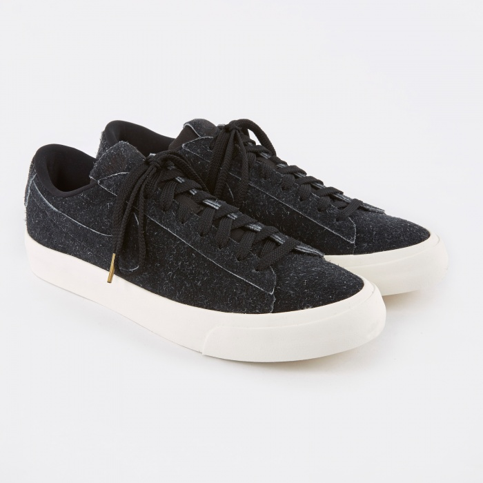 Nike Blazer Studio Low Shoe - Black/Black-Gum (Image 1)
