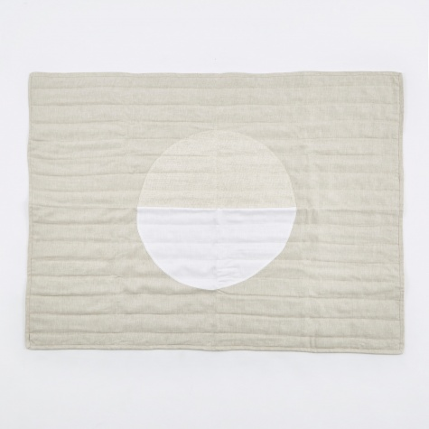 White Moon Classic Quilt - 34x45""