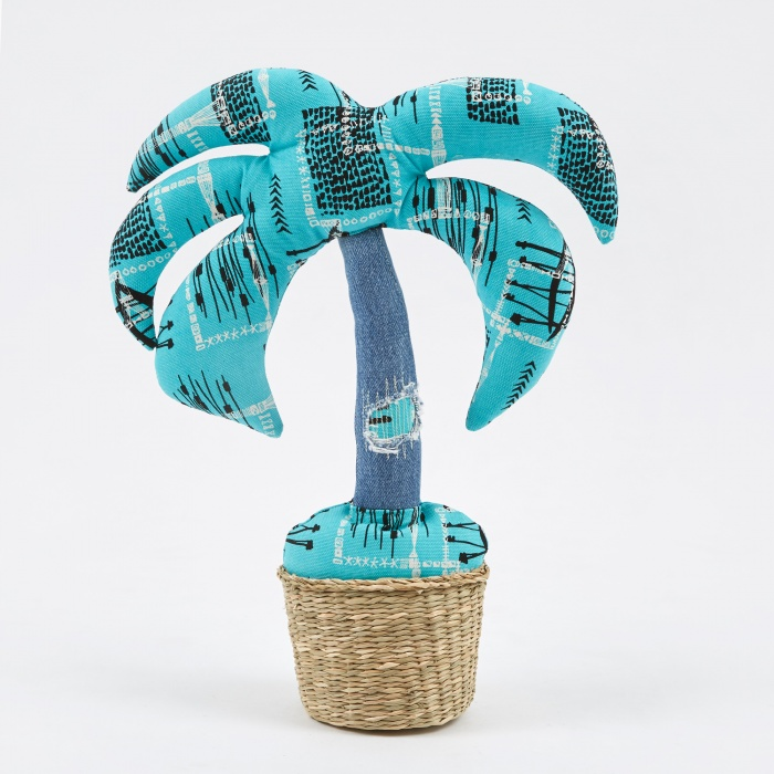 Made By Seven Cushion Plant Palm Tree - Style 3 (Image 1)