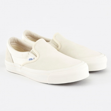Vault OG Classic Slip-On LX - Egret/Cloud Dancer