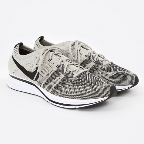 Flyknit Trainer - Pale Grey/Black-White
