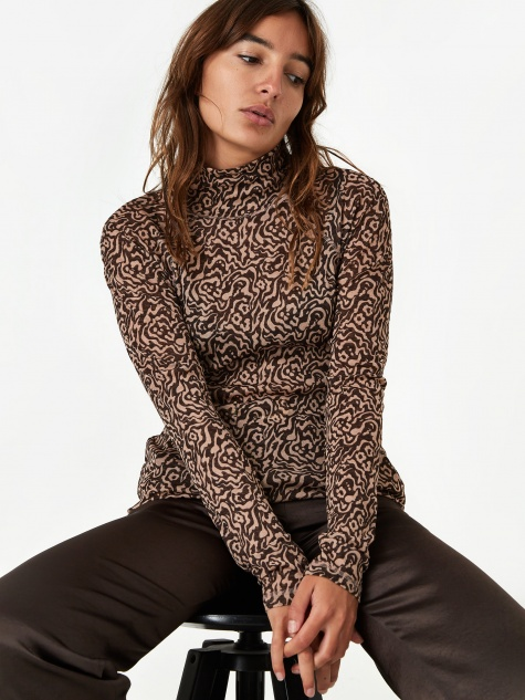 Madi Mesh Longsleeve Top - Graphic Animal Latte