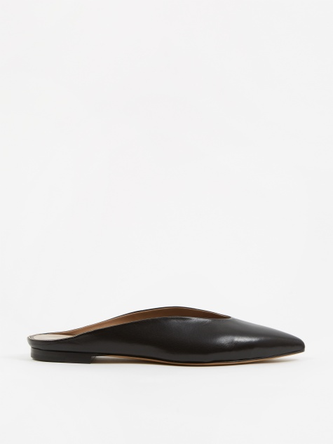 Simple Almond Mule - Nappa Black