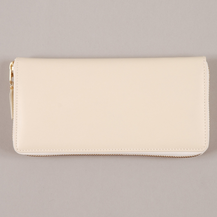 Comme des Garcons Wallets COMME des GARCONS Wallet Classic Leather Line L - Offwhite (Image 1)