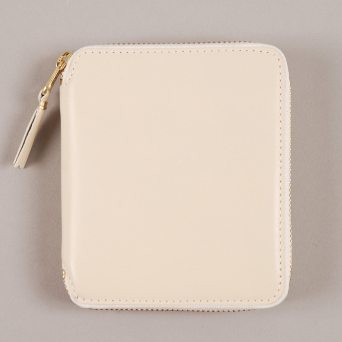 Comme des Garcons Wallets COMME des GARCONS Wallet Classic Leather Line M - Offwhite (Image 1)
