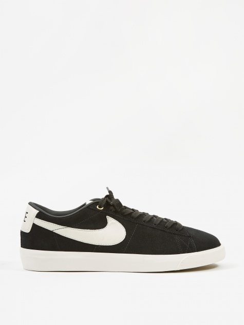 SB Zoom Blazer Low GT - Black/Sail