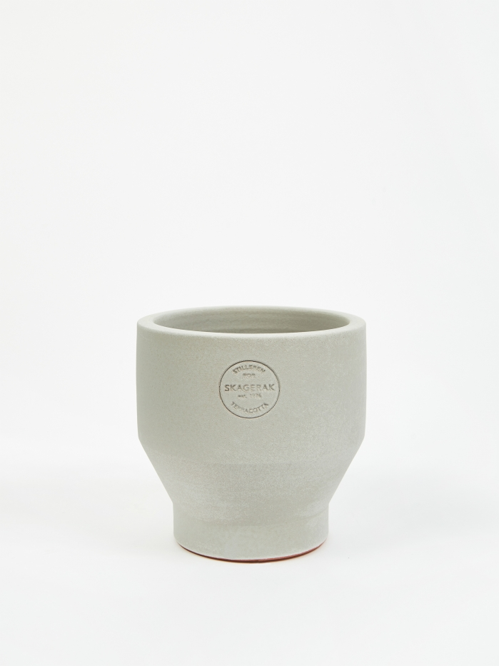 Skagerak Edge Pot Ø15 - Light Grey (Image 1)