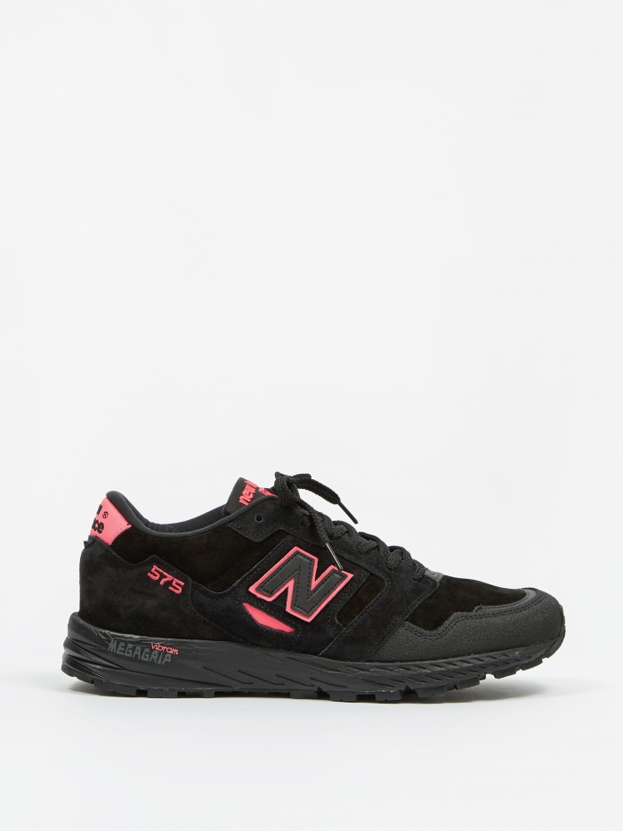 New Balance MTL575NE - Black/Highlighter Pink (Image 1)