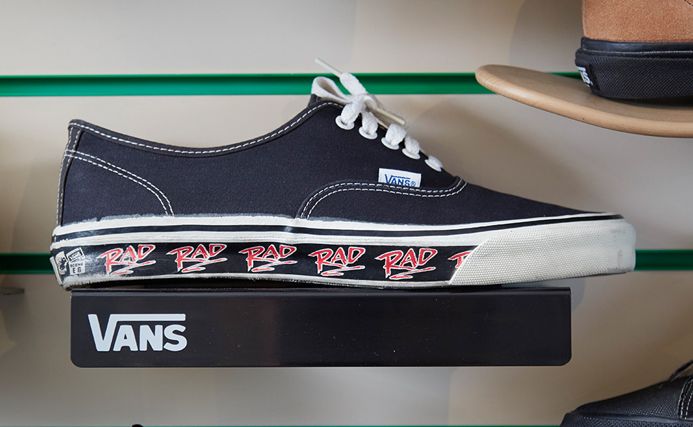 VINTAGE VANS AUTHENTIC