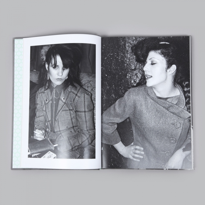 Roundel Derek Ridgers 78-87 London Youth Book (Image 1)