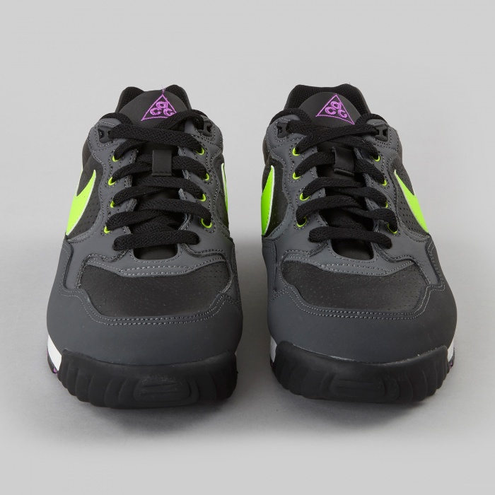 Nike Air Wildwood LE - Black/Flash Lime (Image 1)