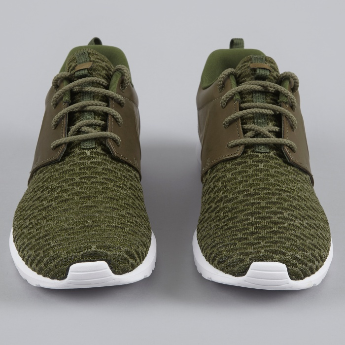 Nike Roshe NM Flyknit PRM - Rough Green/Black (Image 1)