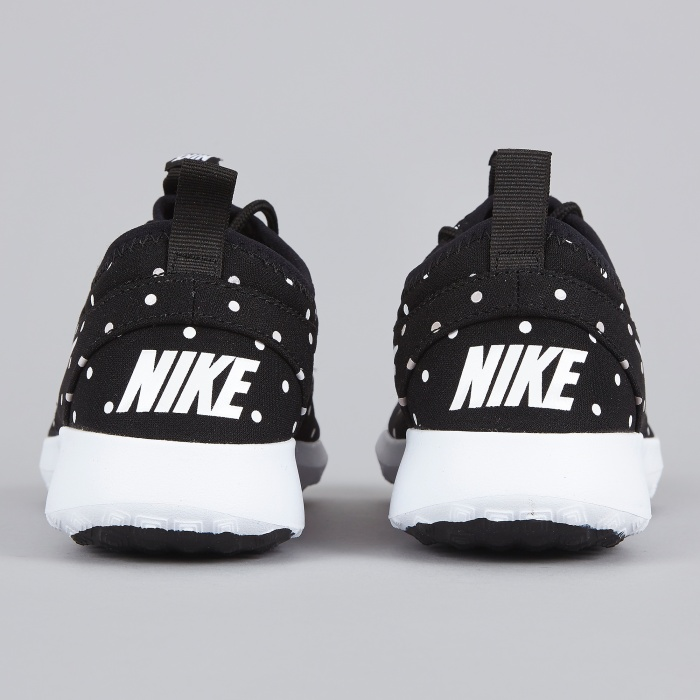 Nike Juvenate - Black/White (Image 1)