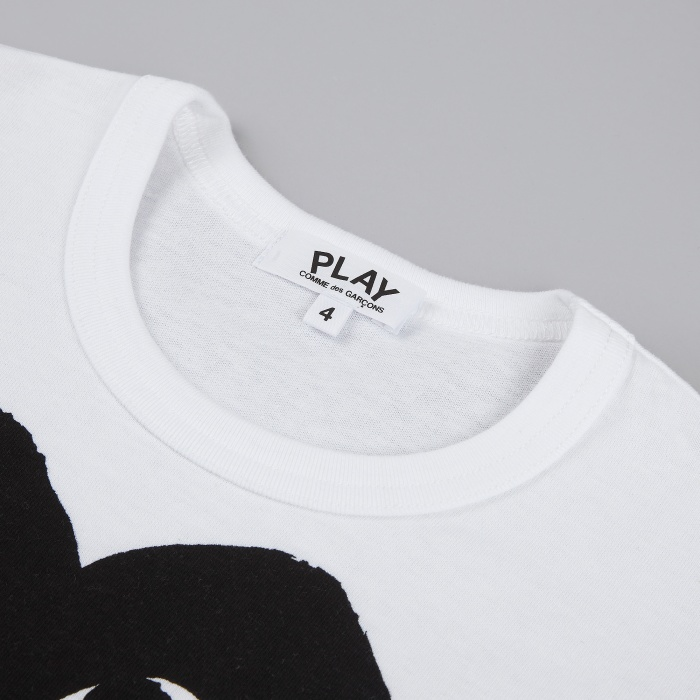 Comme des Garcons Play Kids T-Shirt - White / Large Black Heart (Image 1)