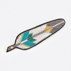 Macon & Lesquoy Coloured Feather 10cm Embroidered Pin