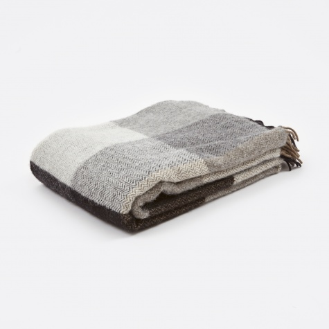 Inez Throw 130x200cm - Grey