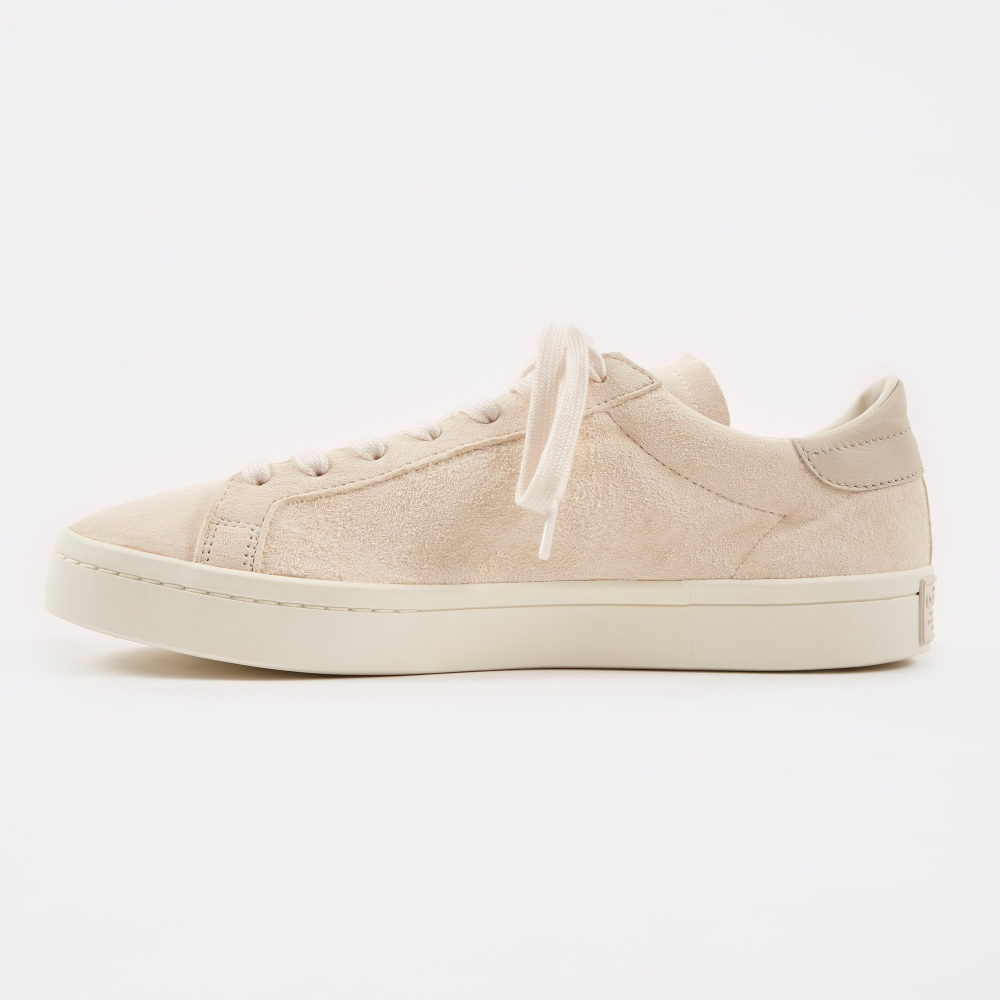 the latest 48d3c 9df01 Adidas Court Vantage - Clear BrownChalk White