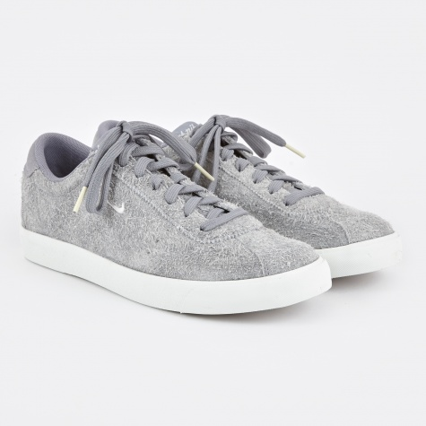 Match Classic Suede Shoe - Stealth/Summit White