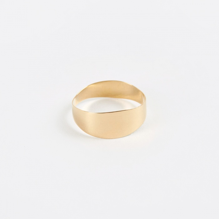 Sansoeurs Irregular Band Ring - Yellow Gold (Image 1)