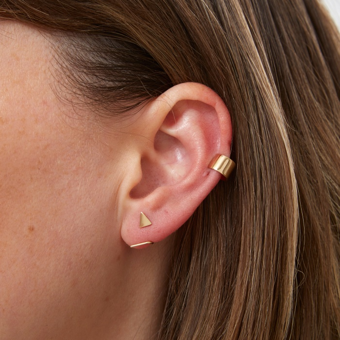 Sansoeurs Hugger Earring - Yellow Gold (Image 1)
